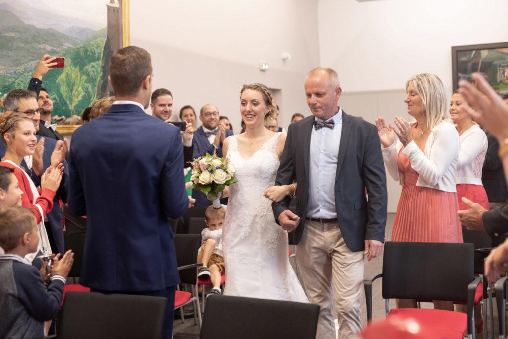Photo entrée mariée Bouvron
