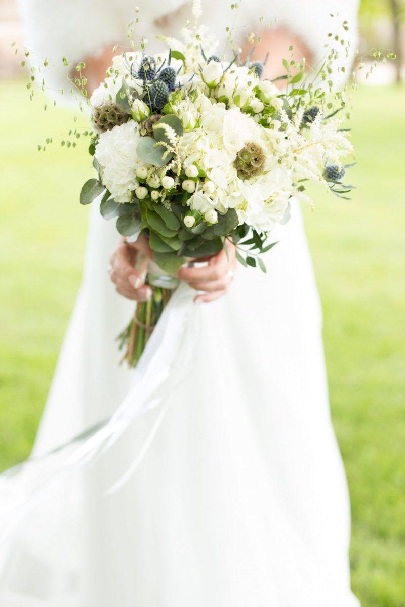 Photos bouquet de mariée au Manoir de la Jahotière
