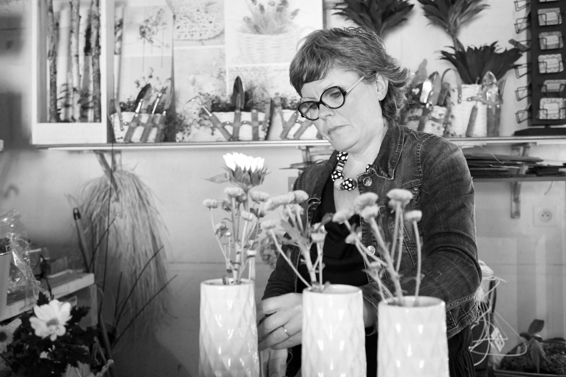 Portrait corporate d'une fleuriste