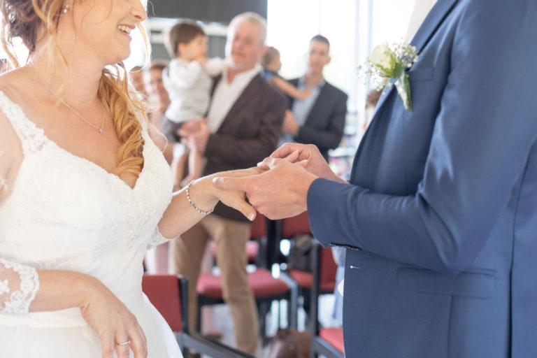 Photo échange d'alliances mariage Vigneux