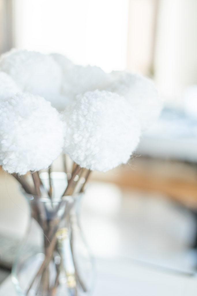 Photo-décoration-mariage-bouquet-pompons