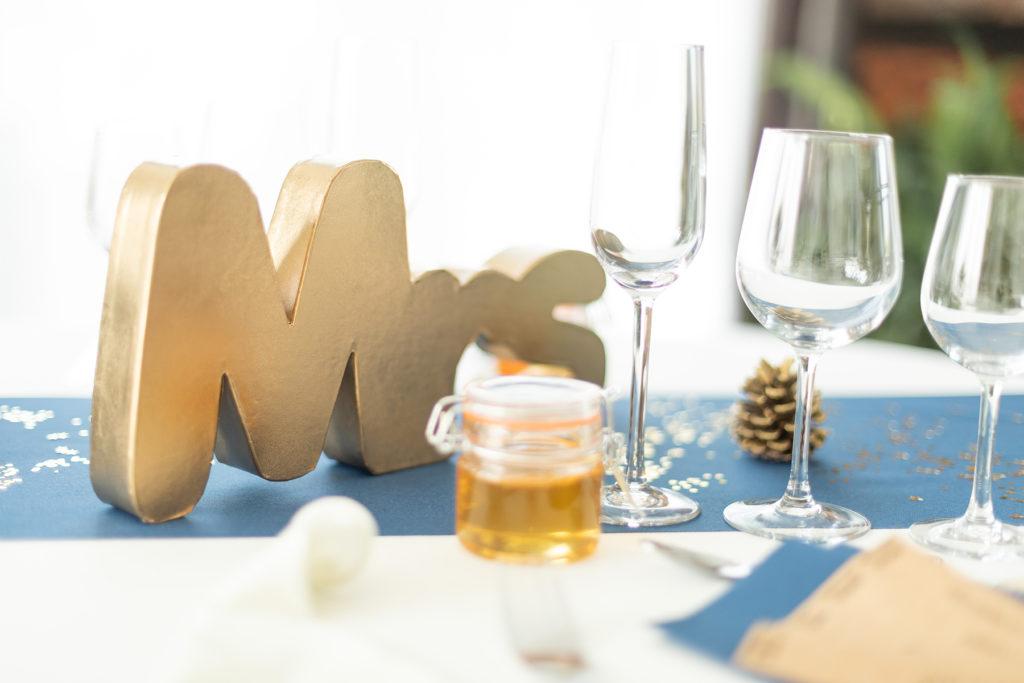 Photo de décoration mariage bleu doré