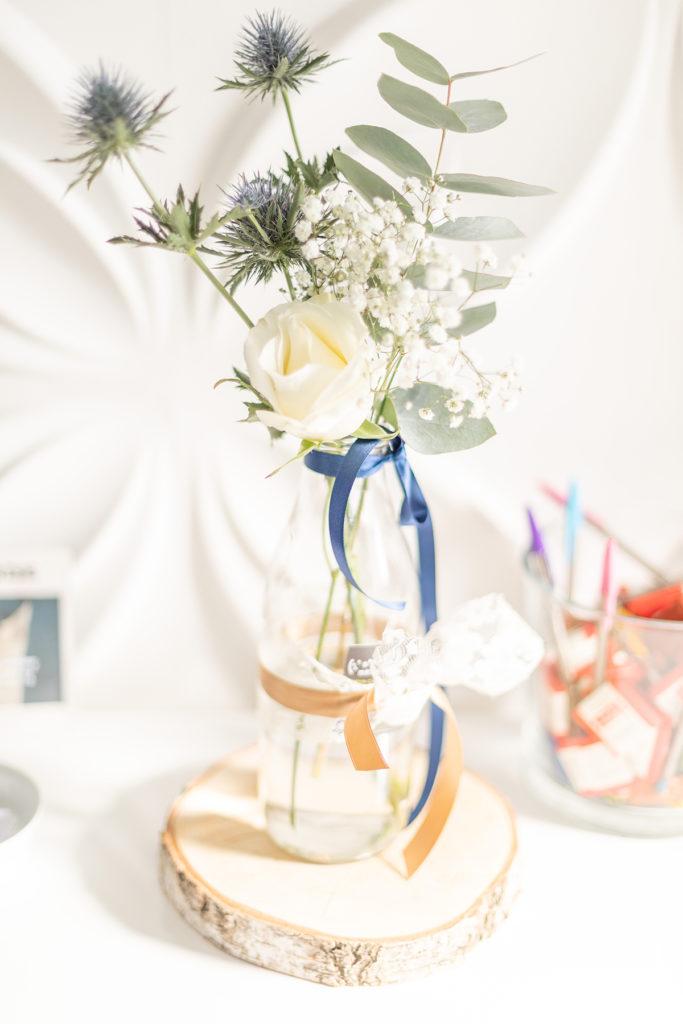 Photo de décoration florale chardons