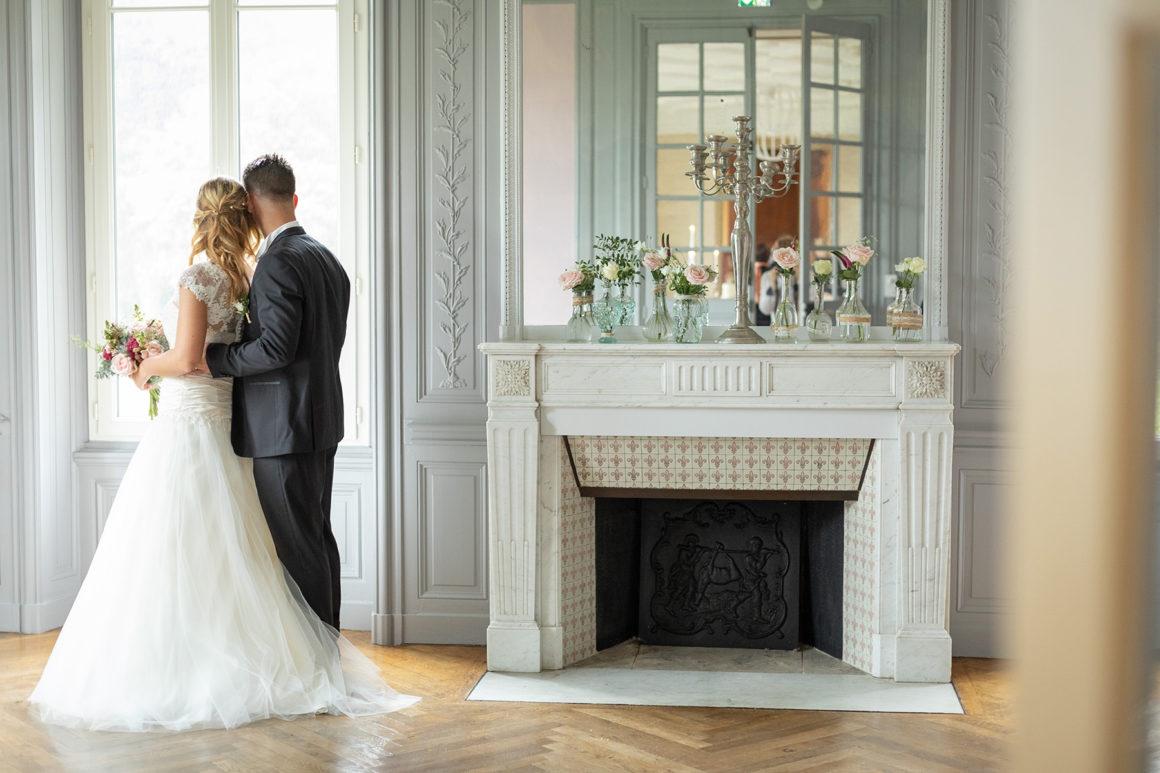 Photo de couple de dos château de Noirbreuil